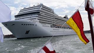Круизный лайнер MSC Orchestra в лагуне Венеции, 5 июня 2021 года