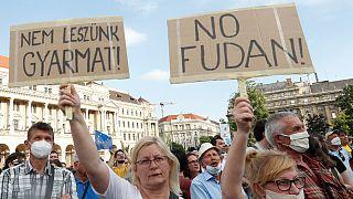 تظاهرات در بوداپست در اعتراض به ساخت پردیس دانشگاه چینی فودان در این شهر