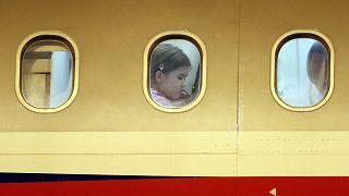 Ein Flugzeug am Prager Flughafen