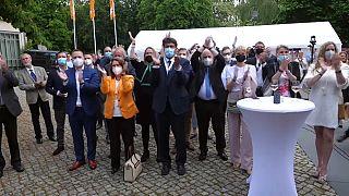Dirigentes regionales conservadores de Sajonia-Anhalt celebran la victoria