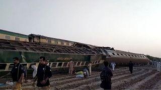 تصادف دو قطار در جنوب پاکستان