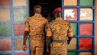 عکس تزئینی از دو نیروی نظامی بورکینافاسو