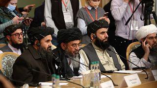 المؤسس المشارك لطالبان الملا عبد الغني بردار يحضر مؤتمرا دوليا حول أفغانستان حول الحل السلمي للصراع، موسكو، 18 مارس 2021