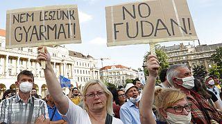 Çin'in Fudan Üniversitesi projesi Budapeşte'de protesto edildi