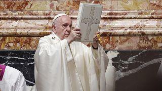 Ferenc pápa úrnapi szentmisét celebrál a Vatikánban 2021. június 6-án