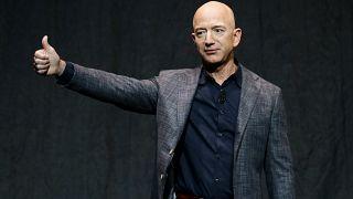Fundador da Amazon leva consigo irmão ao espaço