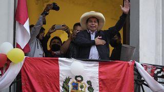 Eleição presidencial do Peru disputada voto a voto