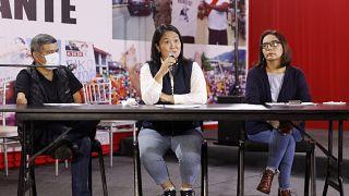 المرشحة إلى الانتخابات الرئاسية في البيرو كيكو فوجيموري خلال لقاء صحافي