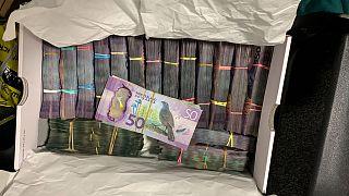 Photo non datée de billets de dollar néozélandais saisis dans le cadre de l'opération Trojan