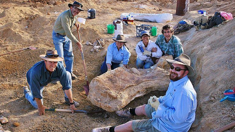 Une nouvelle espèce de dinosaure géant découverte en Australie (vidéo) By Jack35 773x435_cmsv2_e74725c2-10dd-521e-984c-ea025a7855bf-5746324
