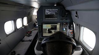 من داخل طائرة مراقبة تابعة لوكالة فرونتكس