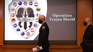 Pressekonferenz des FBI zur Operation Trojanerschild