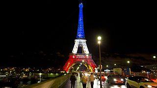 Francia nemzeti színekben az Eiffel-torony