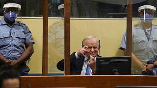 UN-Tribunal bestätigt Urteil: Serbischer Ex-General Mladic bekommt lebenslänglich