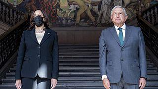 Kamala Harris junto a Andrés Manuel López Obrador