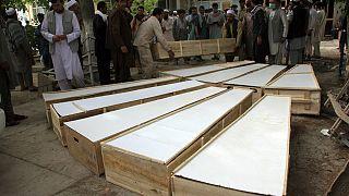 تابوتهای قربانیان حمله به دفتر مینروبی هالوتراست در ولایت بغلان
