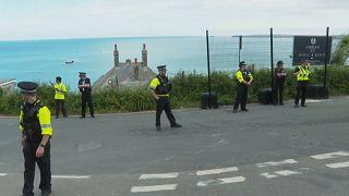 Absperrungen am G/-Tagungsort in Cornwall