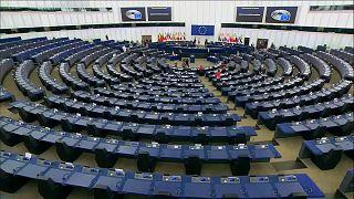 Bruxelas pede aos governos que comecem a emitir certificados Covid