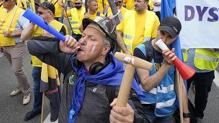 ویدئو؛ اعتراضهای کارگری در لهستان آمد و شد در پایتخت را مختل کرد