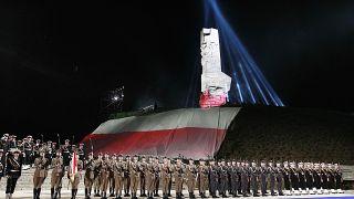 maggio 2015 Truppe della Marina polacca ai piedi del monumento ai difensori della penisola di Westerplatte, dove furono sparati tra i primi colpi della seconda guerra mondiale