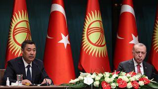 Kırgızistan Cumhurbaşkanı Sadır Caparov ve Cumhurbaşkanı Recep Tayyip Erdoğan