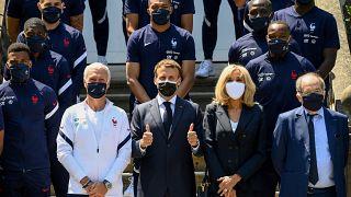 Emmanuel Macron au centre d'entraînement de l'équipe de France de football, Clairefontaine (région parisienne), le 10/06/2021