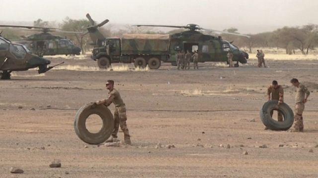 Macron sur le point d'annoncer une réduction d'effectifs de Barkhane au Sahel