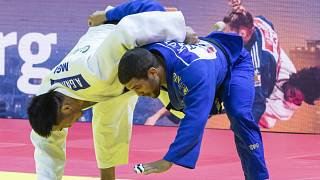 Tóth Krisztián (kékben) a mongol Altanbagana Gantulga legyőzésével szerezte meg a bronzérmet a budapesti cselgáncs-világbajnokságon