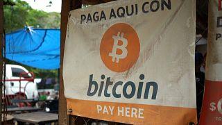 Cartel de pagos en Bitcóins en El Salvador