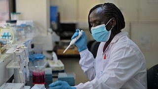اختبارات على فيروس المتلازمة التنفسية الشرق أوسطية (ميرس)