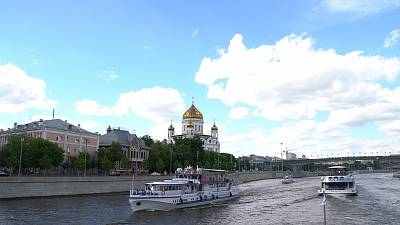Discover Moscow with a spring in your step