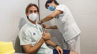 La selección española recibe sus vacunas y piensa definitivamente en su inminente primer partido