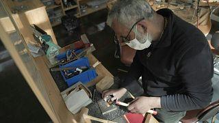 باريس - ورشات حرفية للمهاجرين