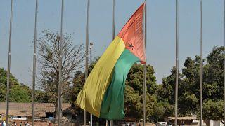 Gine-Bissau bayrağı