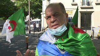 """جزائريون في فرنسا يعتبرون أن النظام """"قادر على فعل أي شيء"""" لضمان بقائه"""