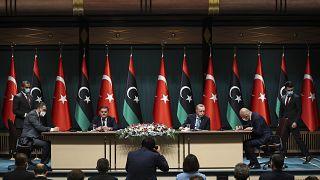 Libya Milli Birlik Hükümeti Başbakanı Abdülhamid Dibeybe'nin Ankara ziyaretinde ikili anlaşma imzalanırken