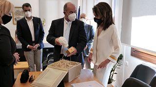 Η Γιάννα Αγγελοπούλου και ο δήμαρχος Δίου - Ολύμπου, Βαγγέλης Γερολιόλιος