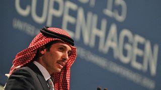الأمير حمزة بن الحسين يلقي خطابه خلال الجلسة العامة في مركز بيلا في كوبنهاغن، 17 ديسمبر 2009