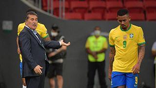 Treinador português pouco pôde fazer para contrariar a supremacia dos anfitriões