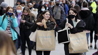 Londra, aprile 2021: shopping a Oxford street