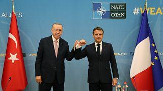 Macron ve Erdoğan NATO Zirvesi öncesi bir araya geldi