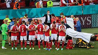 کریستین اریکسن پس از حمله قلبی در وسط بازی مقابل فنلاند، به بیمارستان منتقل شد