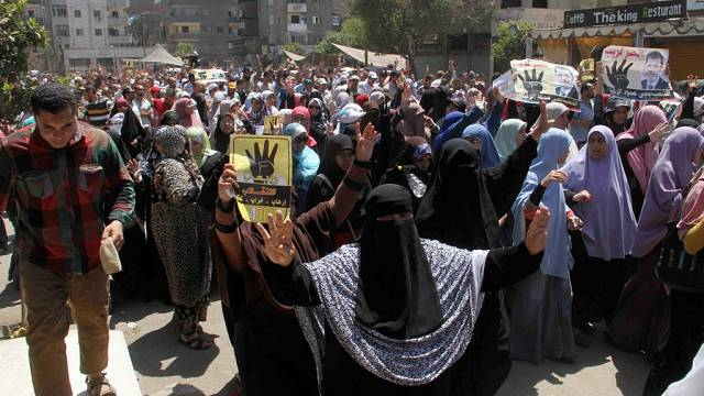 Egypte : peines de mort confirmées pour 12 membres des Frères musulmans