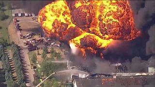 ΗΠΑ: Μεγάλη φωτιά σε εργοστάσιο χημικών