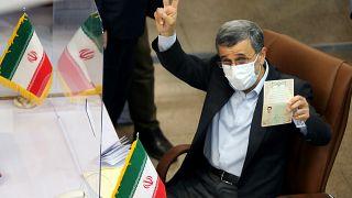 İran'ın eski cumhurbaşkanlarından Mahmud Ahmedinejad