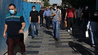 عکسی از زندگی عادی در نزدیکی بازار تهران