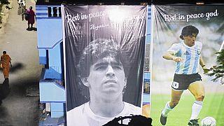 """Diego Maradona : son infirmier avait ordre de """"ne pas le réveiller"""""""