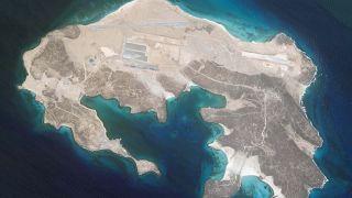 قاعدة جوية قيد الإنشاء على جزيرة يمنية. 2021/06/01