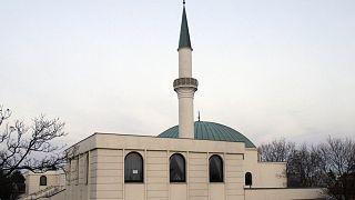 A bécsi Iszlám Központ minaretje és mecsetje