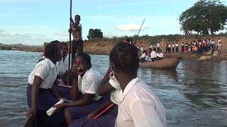 SchülerInnen bei der Üeberfahrt